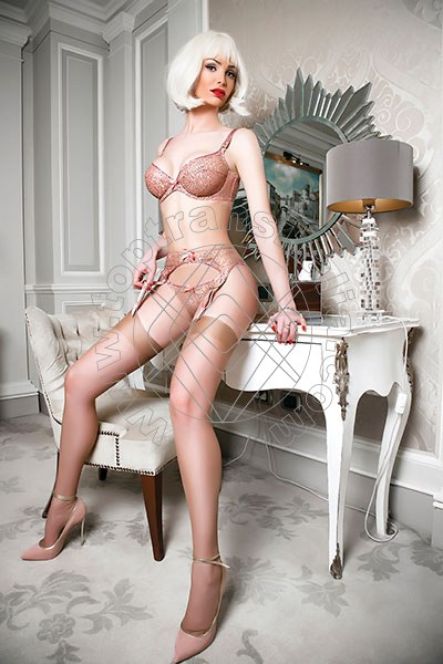 Justine MILANO 3888209820
