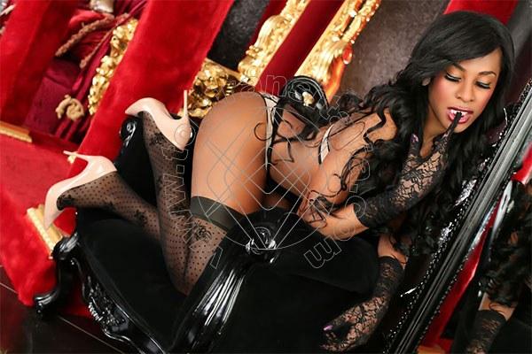 Foto 2 di Beyonce trans Roma
