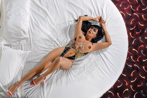 Foto 3 di Nicole Moraes trans Rho