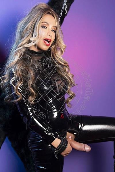 Foto hot 2 di Lady Victoria Venere mistress trans Parma
